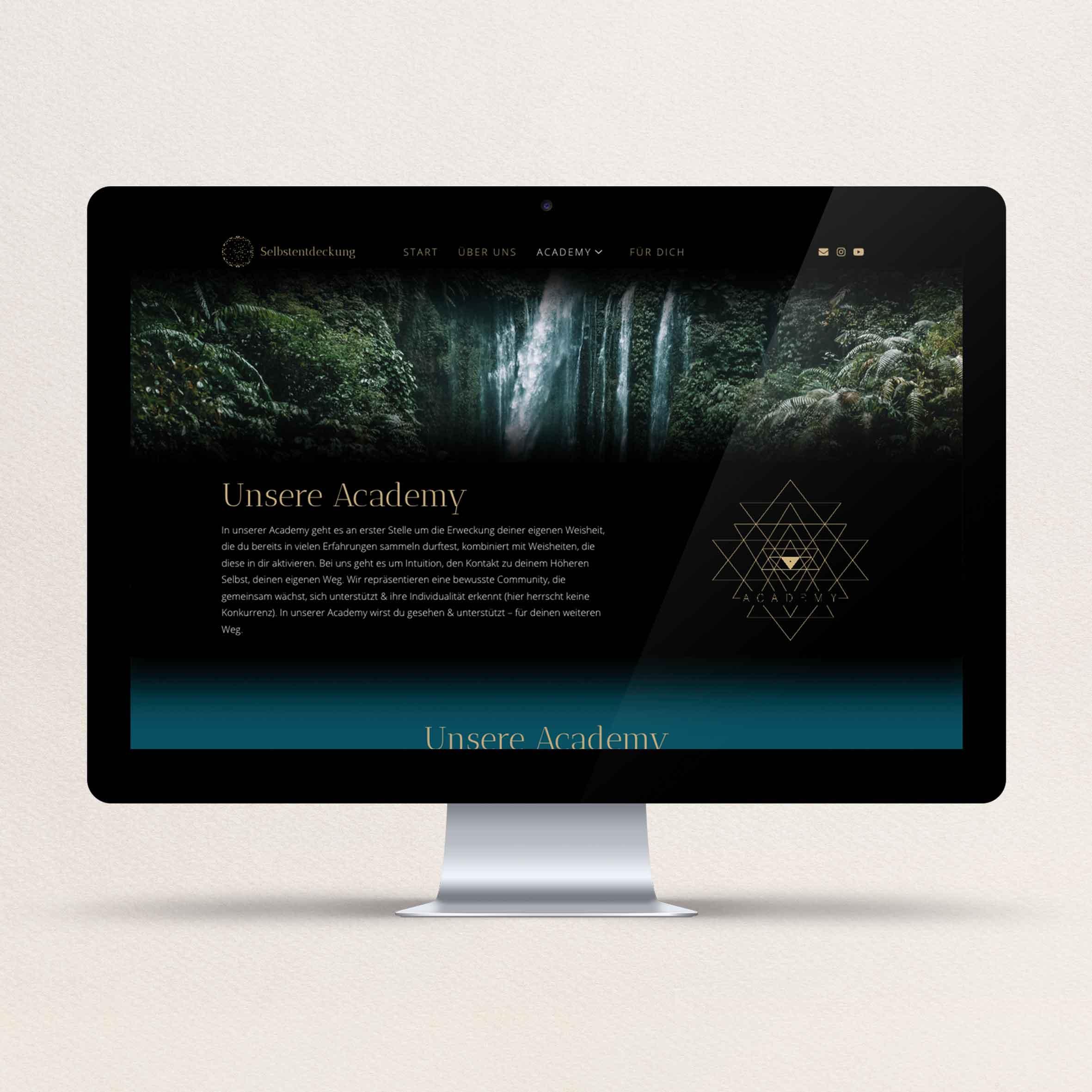nesaja_portfolio_selbstentdeckung_web_desktop_2